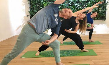 Yoga-Anfängerkurs Wien, Schnupperstunde für Yoga-Einsteiger*innen mit Andreas Rainer