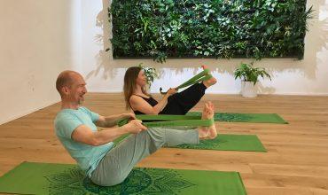 Yoga-Anfängerkurs Wien, Schnupperstunde für Yoga-Einsteiger mit dem FREIRAUM-Chef Andreas Rainer