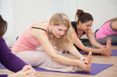 Yin-Yoga im FREIRAUM-Institut: ohne Anmeldung als Drop-In-Classes jederzeit beginnen können!